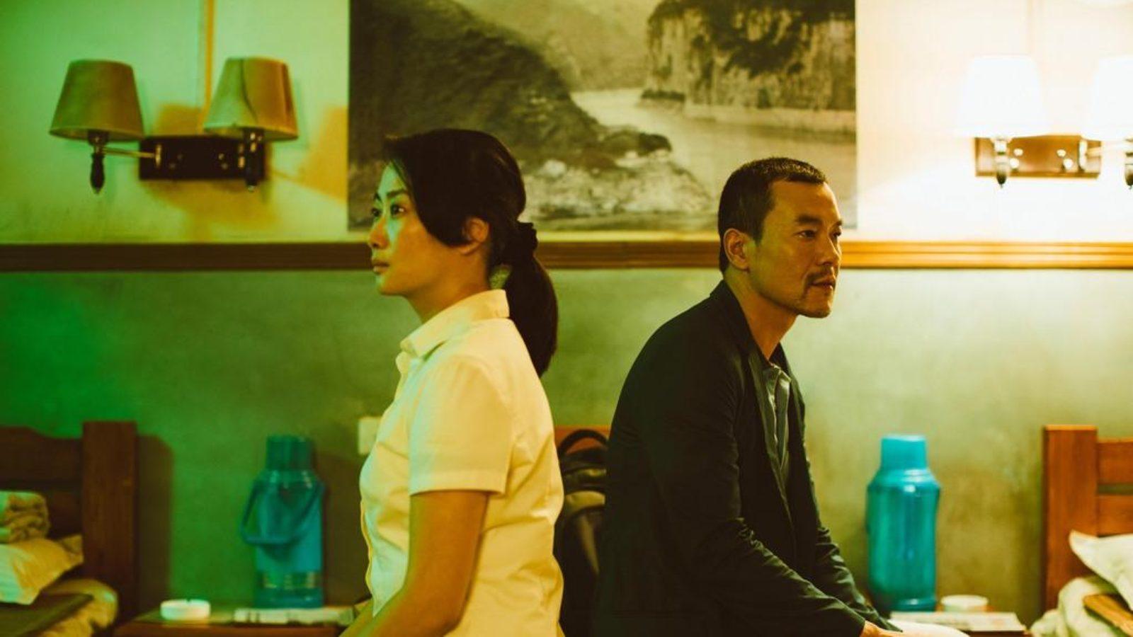 Yönetmen Zhangke, Bin'in düzenine çomağı çocuk çetelere sokturuyor. Bin'in bildiği yöntemlerle ve bağlı bulunduğu kod ile bu yeni mücadelede başarısının imkansızlığını gösteriyor. Katı olan her şey geç de olsa Çin'in kuzeyinde de buharlaşıyor.