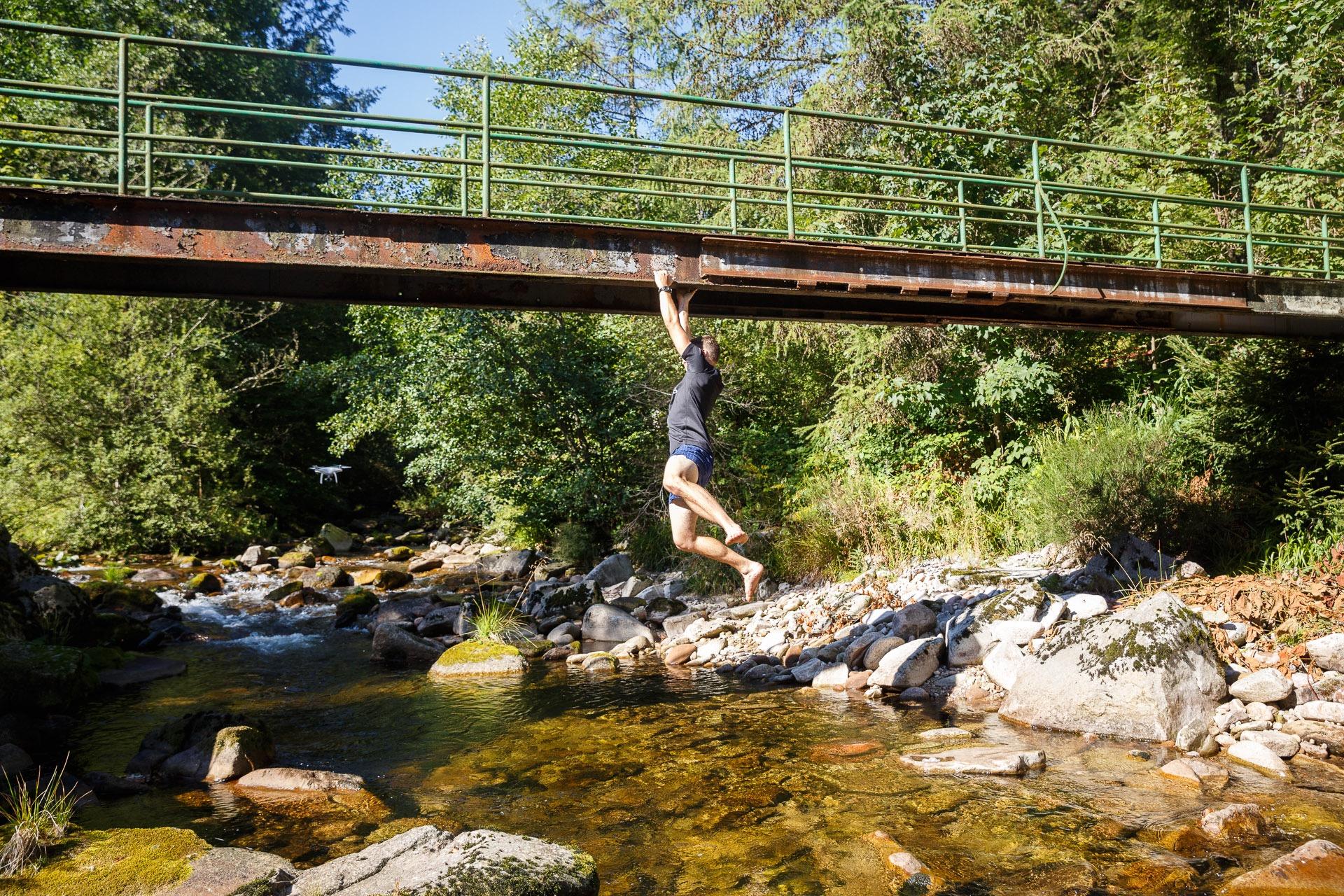 Jedes Team hat seine eigene Herangehensweise um die Fluss Challenge zu meistern.
