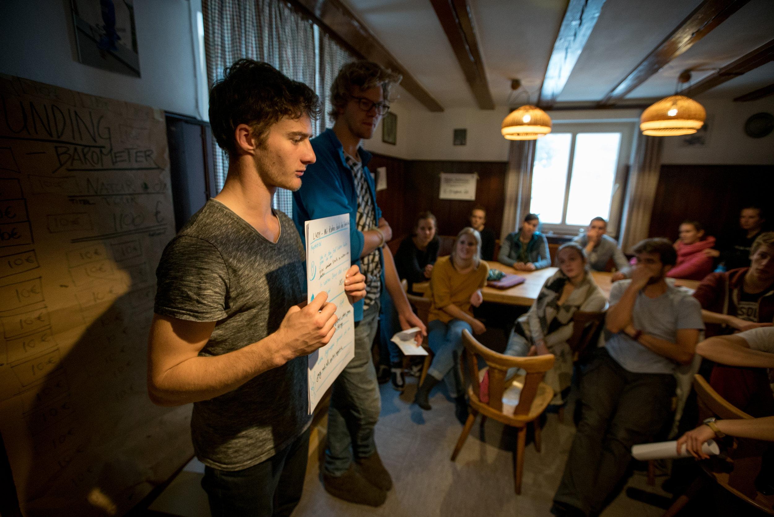 Max und Levin stellen ihr Projekt vor: Mit Rädern durch den Schwarzwald!