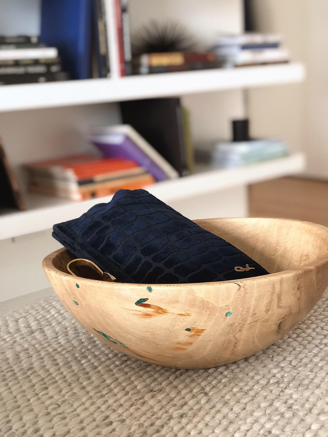 Wooden bowl pic 5.JPG