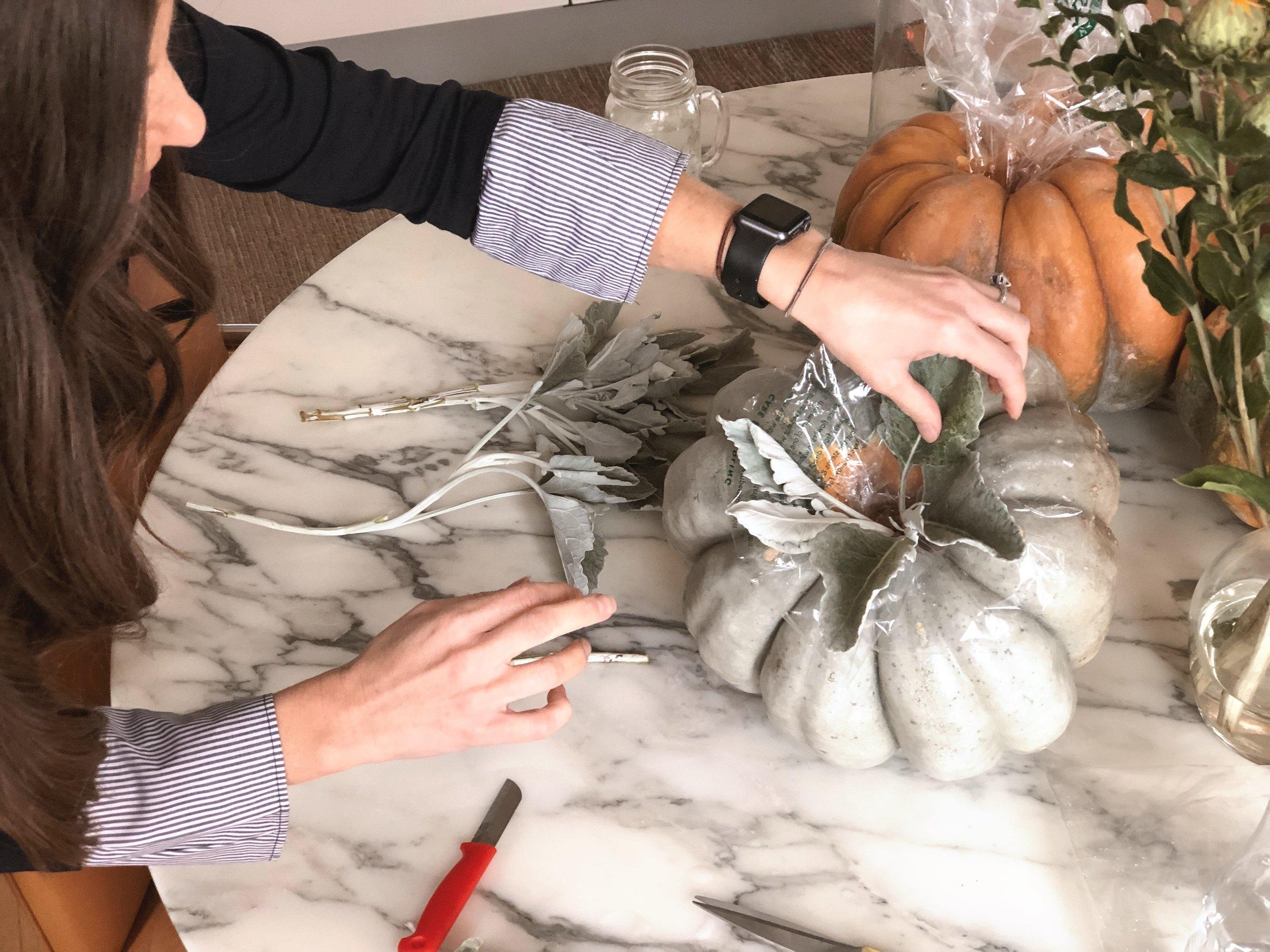 DIY modern pumpkin Centerpiece 7.JPG