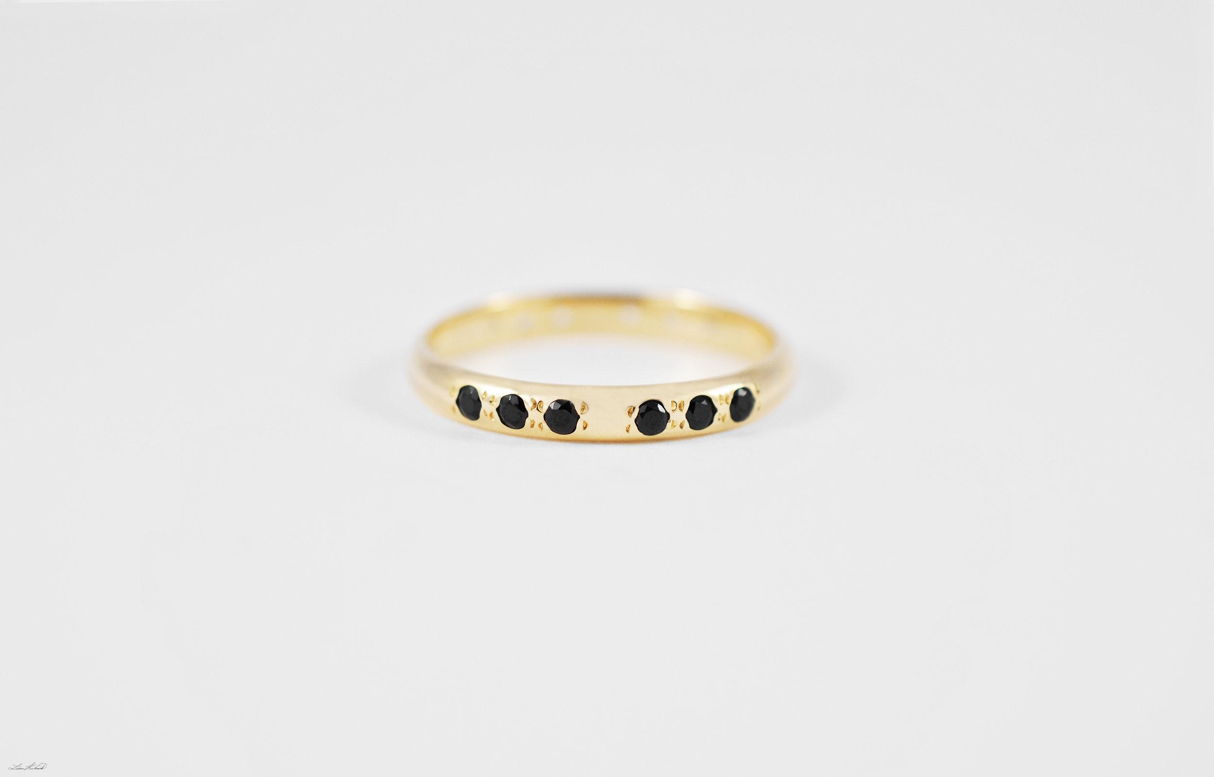 ring2_black.jpg