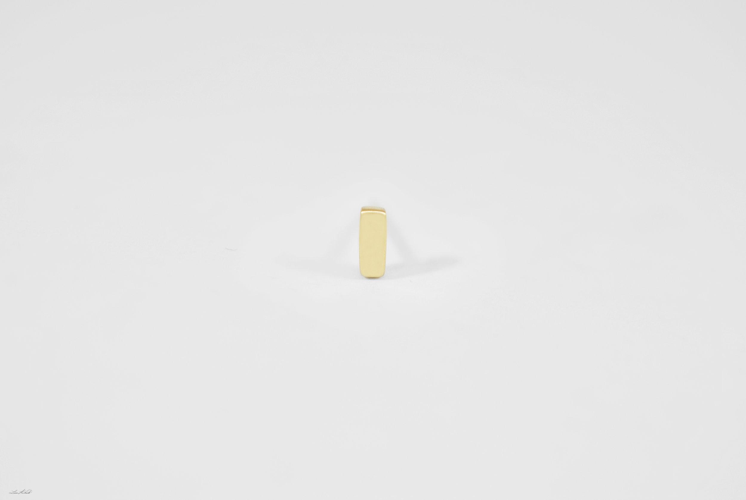 gold bar stud_2.jpg