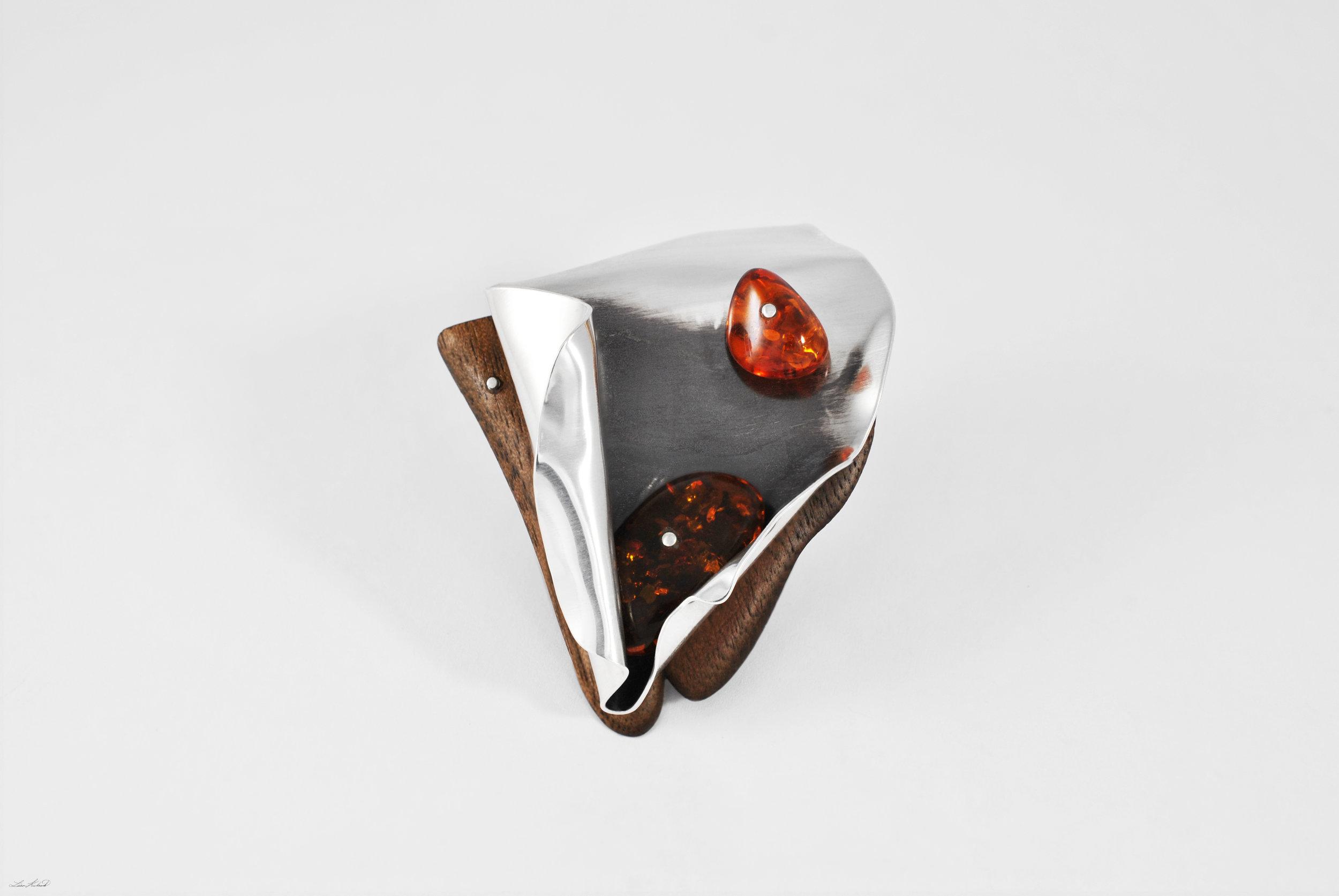 amber brooch 1.jpg