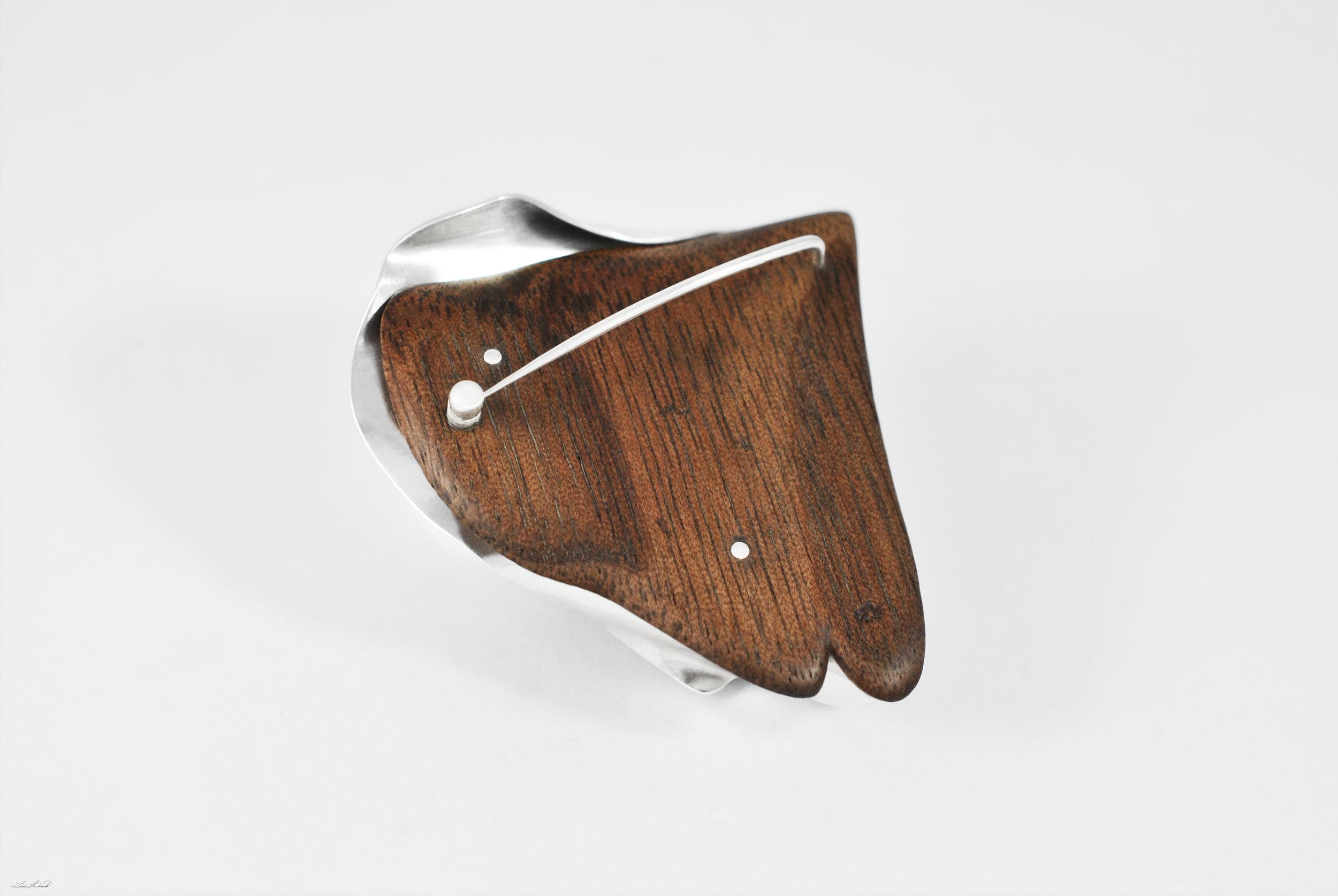amber brooch 5.jpg