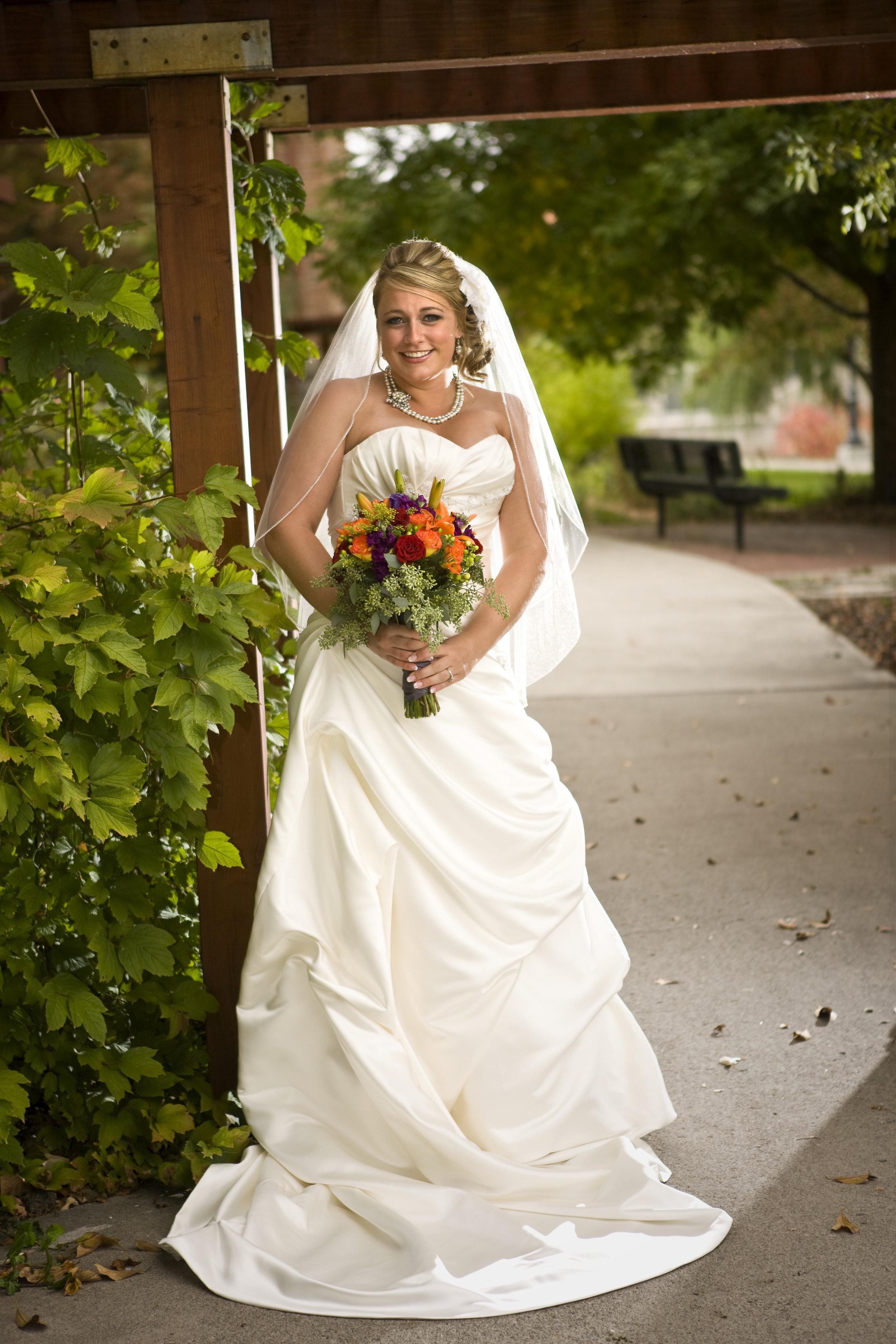Bride & Bridesmaids14.jpg
