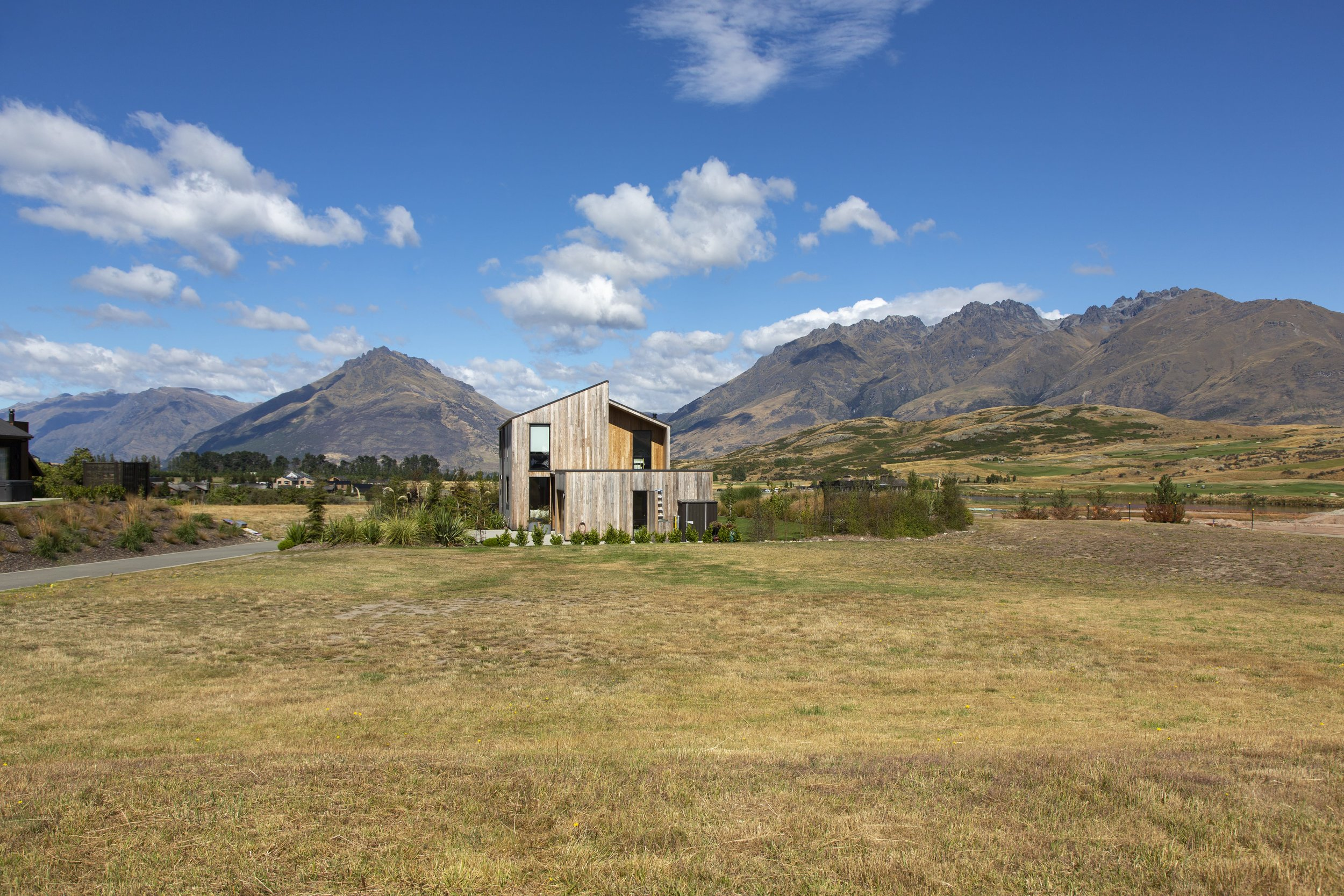 7_Torridon_Court_Jacks_Point_012-min.jpg