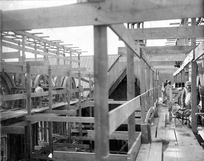 1886 - Building the Cathedral of All Saints