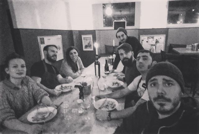 Staff dinner!  #italianosteria #osteria #italianfood #christianshavn #københavn  #madaboutcopenhagen #staffalcompleto #carbonara #sentichetemagni #readyforservice #sonno #vino #grossoguaioachristianshavn #ennámo