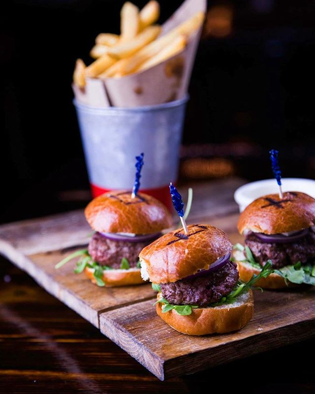 Looking for a delicious slider in Midtown? Look no further than Hudson Malone.... our Gastro Lamb Sliders are made with custom Pat LaFrieda blends! #HudsonMalone #PatLaFrieda #Midtown #Sliders #LambSliders #NYC