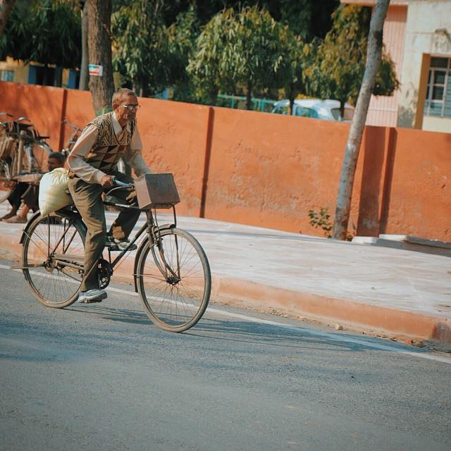 Going to work #India #NewDelhi #Delhi #VSCO #Canon70D