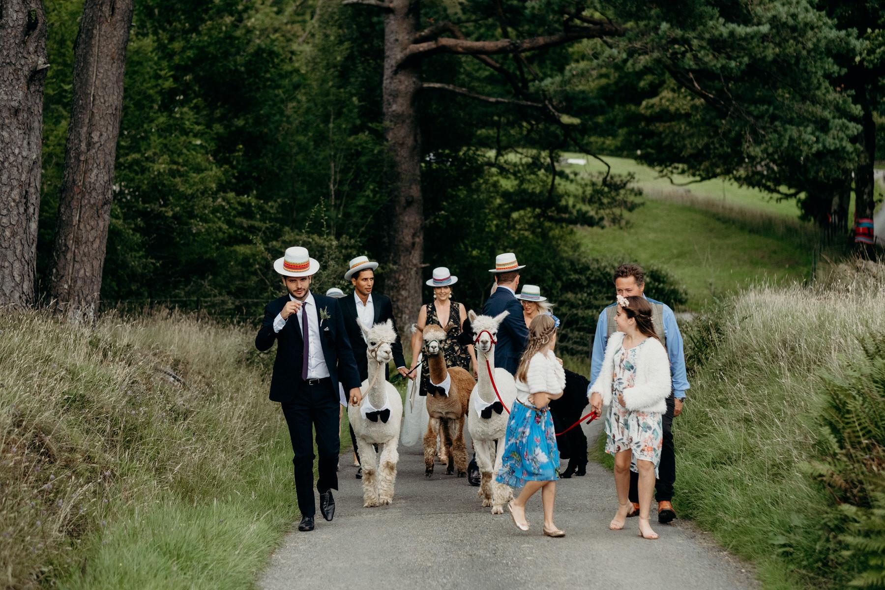 015-Flo-Robert-Monachyle-Mhor-Wedding.jpg