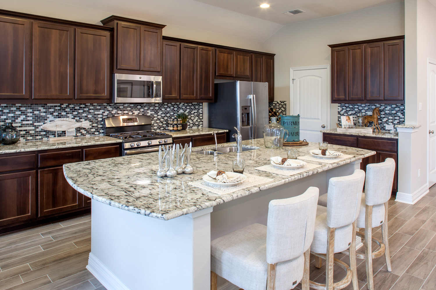 Kitchen--Chesmaer-ATX-Avalon-Branford-Naturally-Chic-(4).jpg