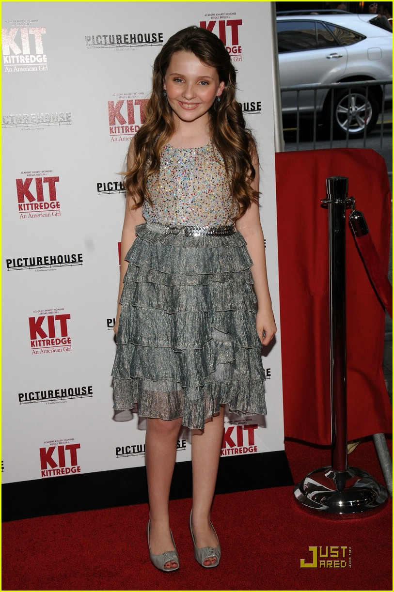 abigail-breslin-kit-kittredge-nyc-12.jpg