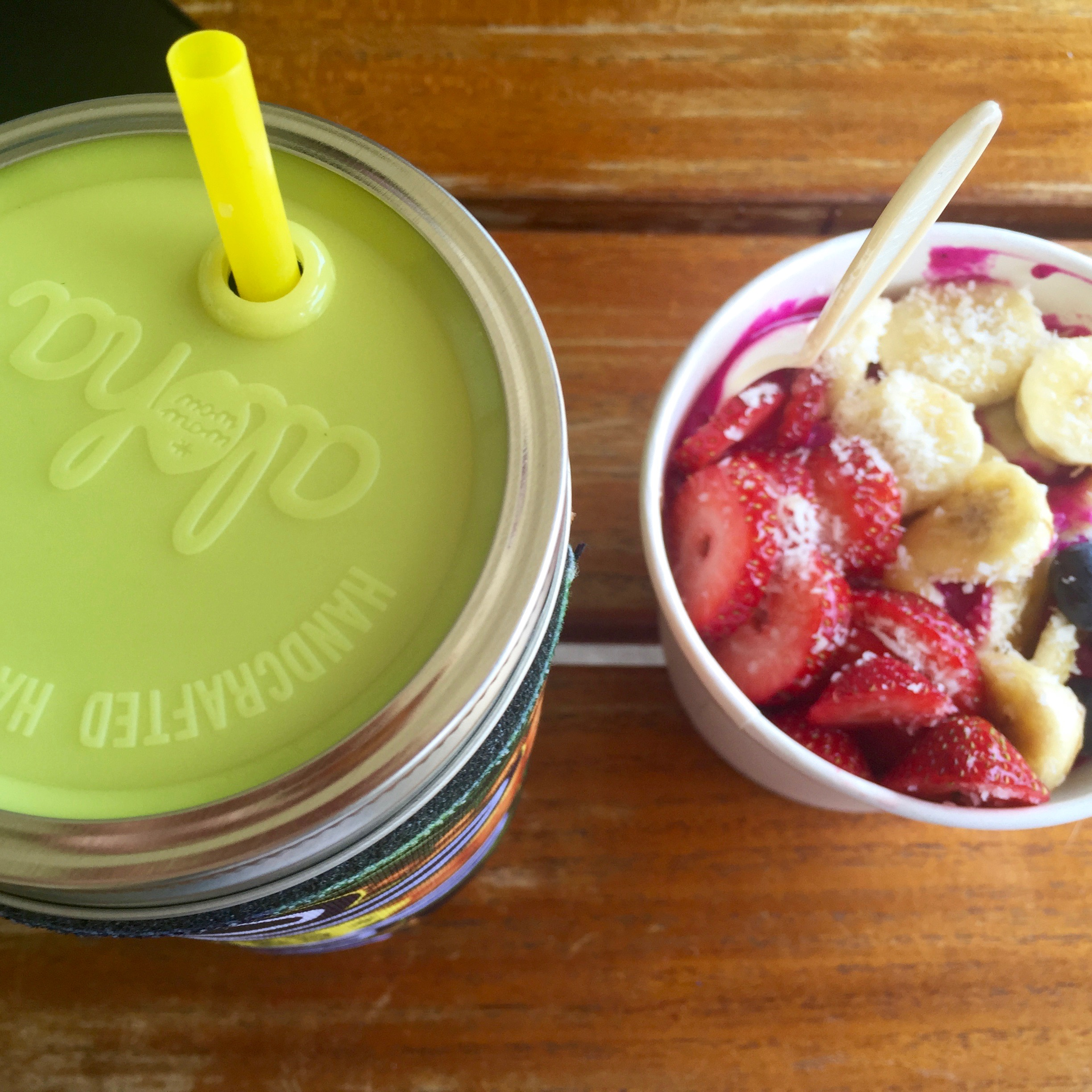 Strawberry Mint Lemonade + Pitaya Bowl