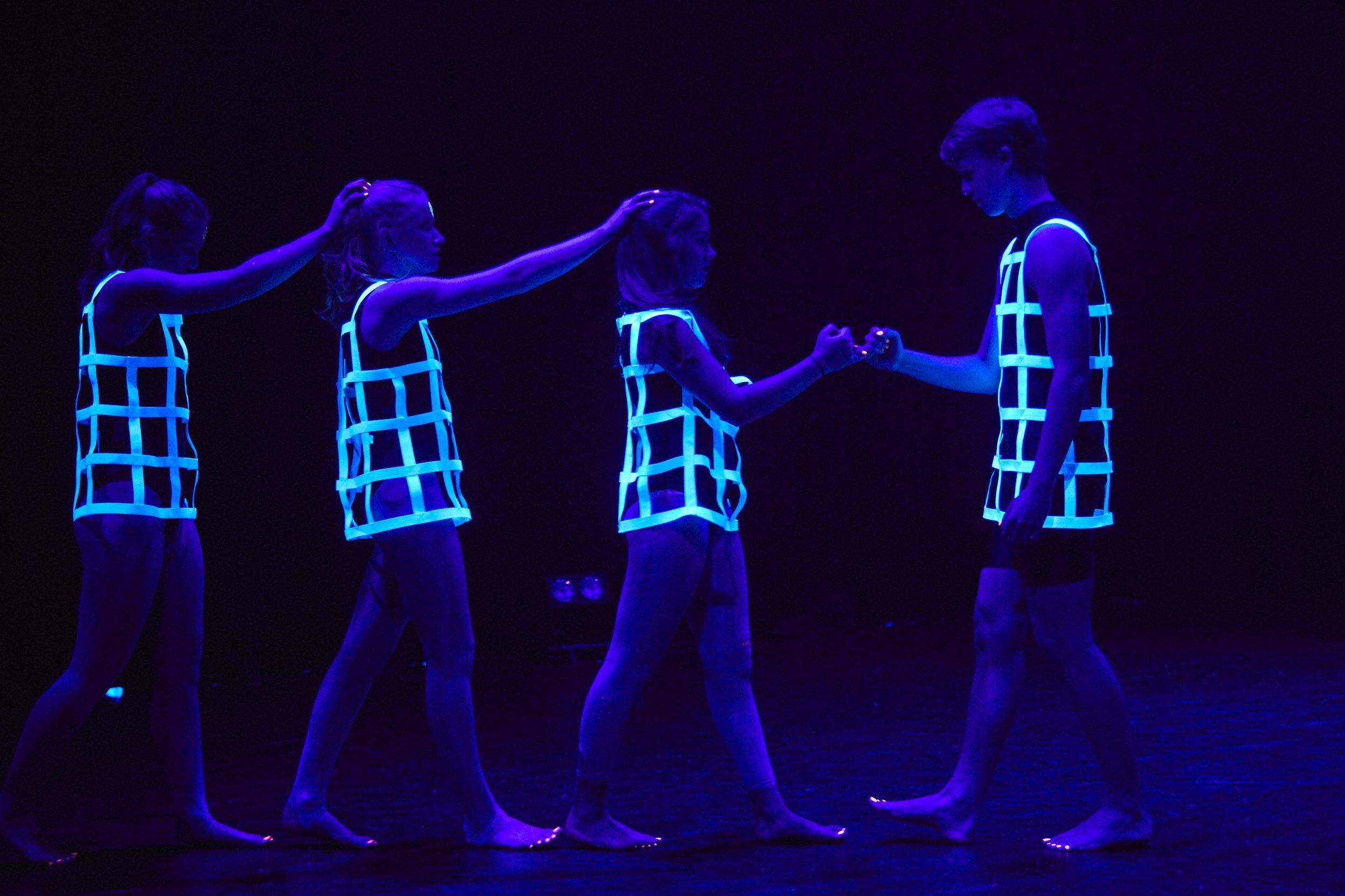 Julia-Spizzica-Design-Dance-Mental-Health