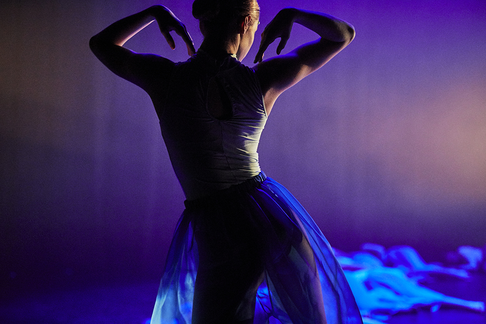 Julia-Spizzica-Design-Dance-Ocean-Pollution