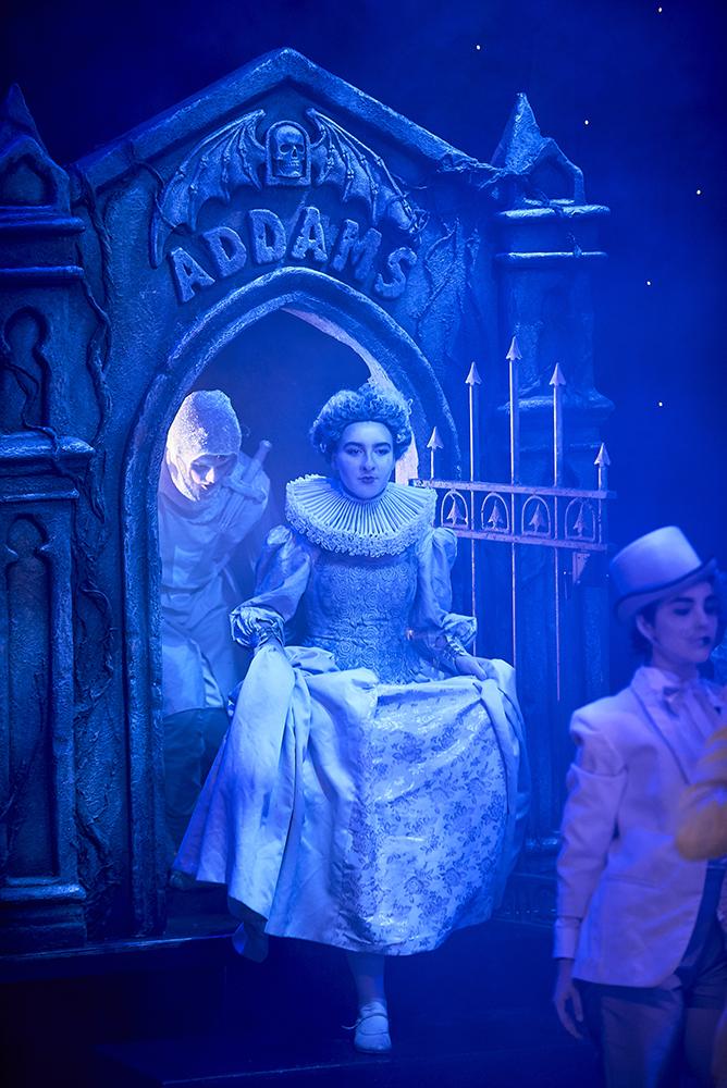 Julia-Spizzica-Design-Addams-Family