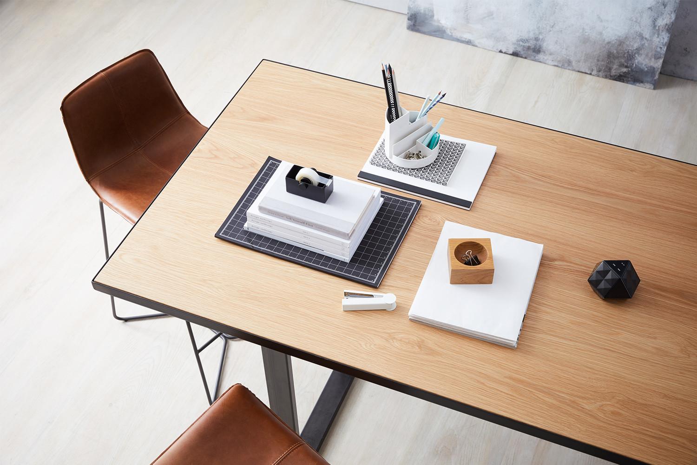 industrial-standing-height-meeting-table-lifestyle_03.jpg