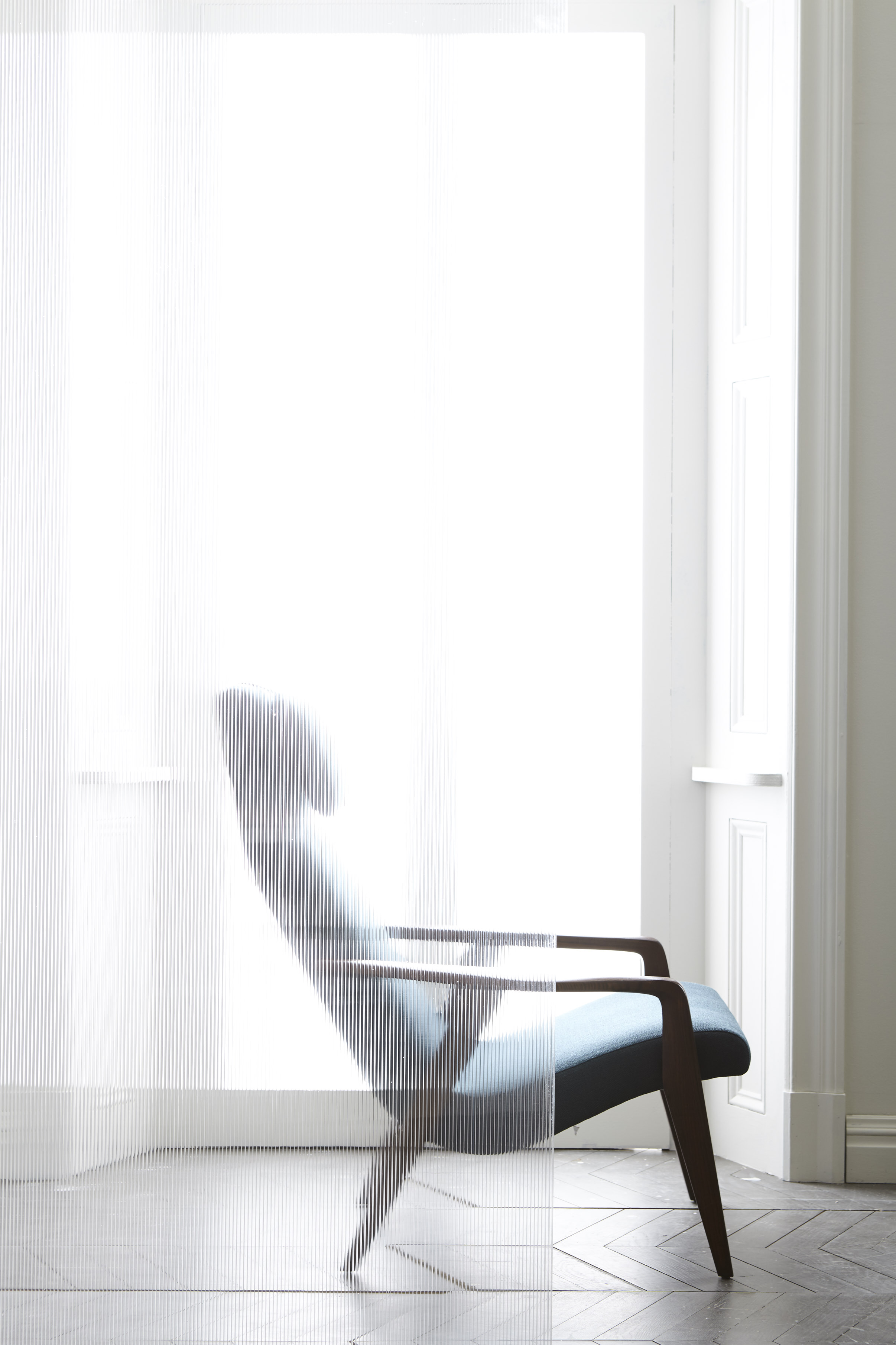 ecom-feature-frosted-glass-chair-fa17-0557.jpg