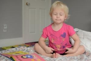 bedtime-stories-for-kids-sleepy-yoga.jpg
