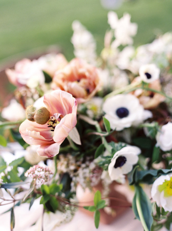 Pale-Coral-Wedding-Flowers-600x806.jpg