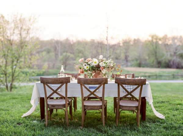 Romantic-Peach-and-Ivory-Outdoor-Table-600x447.jpg