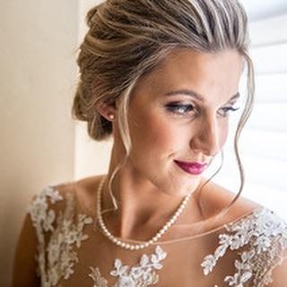 It's moments like this that take our breath away ✨💋#blacktiebeautypro . . . . . #bridalmakeup #bride #wedding #weddingday #weddingmakeup #weddinghairstyle #promakeup #makeupartist #airbrush #weddingseason #weddingphotography #beautyblogger #pnwweddings #pnw #spokanewedding #spokanemakeupartist #spokanebride #cdamakeupartist #spokanephotographer #pnwbride #brides #weddingparty #winerywedding