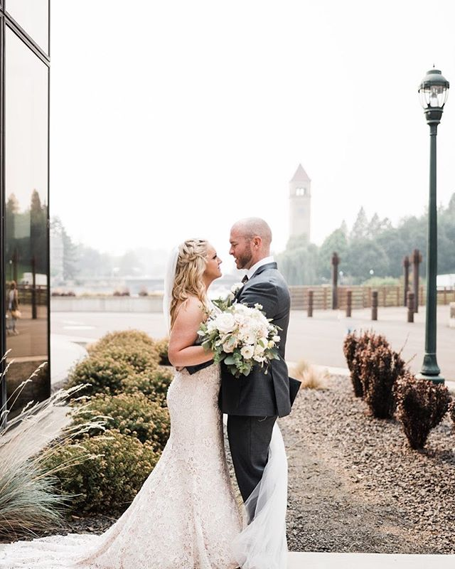 Your wedding photos are the memories you'll share forever. Make sure your look is everything you ever dreamed of and more. ✨💋#blacktiebeautypro . . . . . #bridalmakeup #weddingday #spokaneweddings #spokanewedding #spokanewashington #spokanemakeupartist #spokanemakeup #pnw #pnwweddings #cdamakeupartist #cdawedding #inw #spokanebride #spokanewa #spokanedoesntsuck #spokaneweddingphotographer #waterfrontwedding #riverfrontpark #spokaneconventioncenter