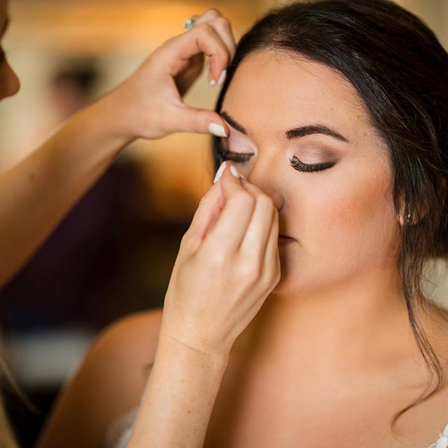 Thank you 📸 @looyengaphoto for capturing the details of this beautiful bridal makeup on Sammy so well. Loved being a part of your special day! ✨💋#blacktiebeautypro . . . . . #Bridalmakeup #pnwweddings #pnw #spokanephotographer #WeddingPlanning #WeddingPlanner #WeddingIdeas #WeddingInspiration #WeddingInspo #WeddingGoals #InstaWedding #DreamWedding #EventPlanning #WeddingDetails #WeddingFashion #BrideStyle #WeddingDecor #Spokane  #SpokaneMakeup #SpokaneMakeupArtist #PNW #WaWedding #SummerStyle #SpokaneWedding