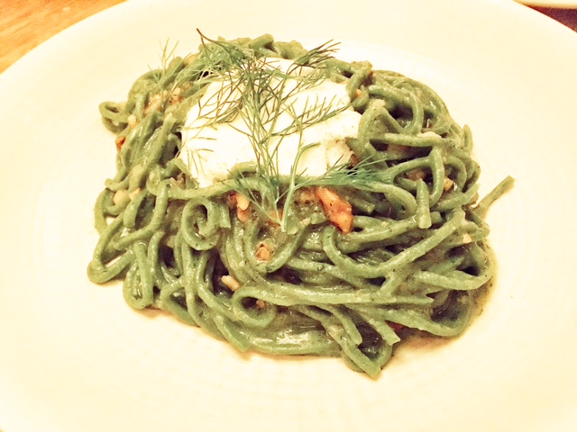 Green spaghetti,walnut, fennel, ricotta