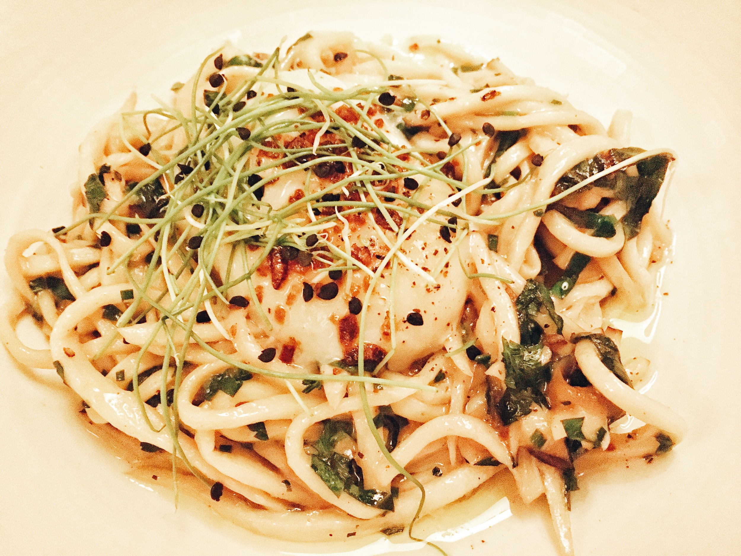 Mushroom spaghetti,    poached egg, crispy shallots