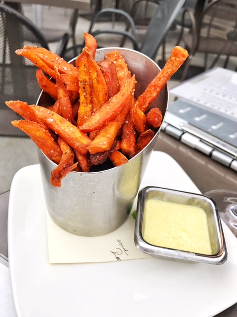 Sweet potato fries with curry lime dipping sauce