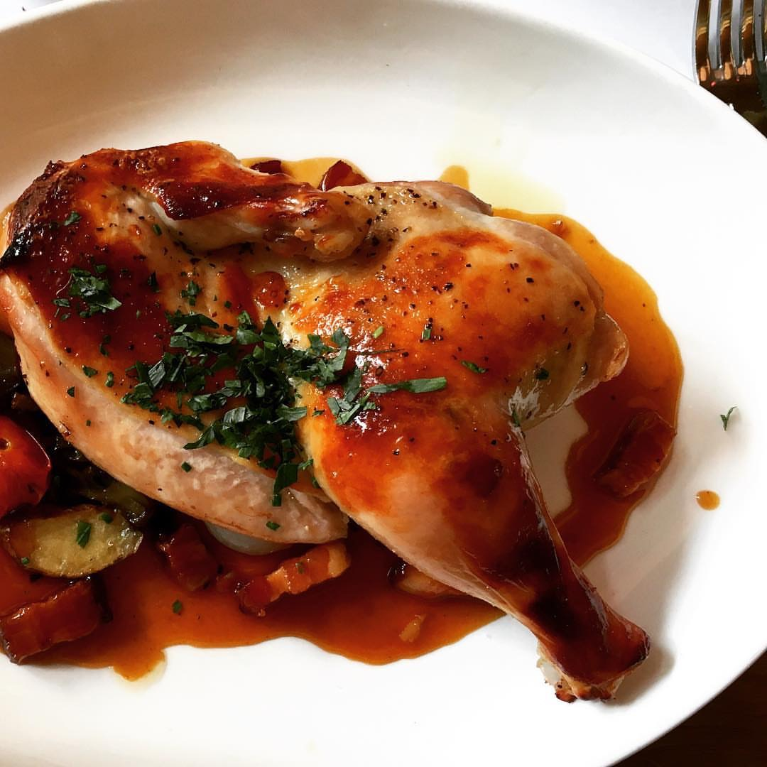Rotisserie chicken with potatoes (PC: @vee.kee.see)