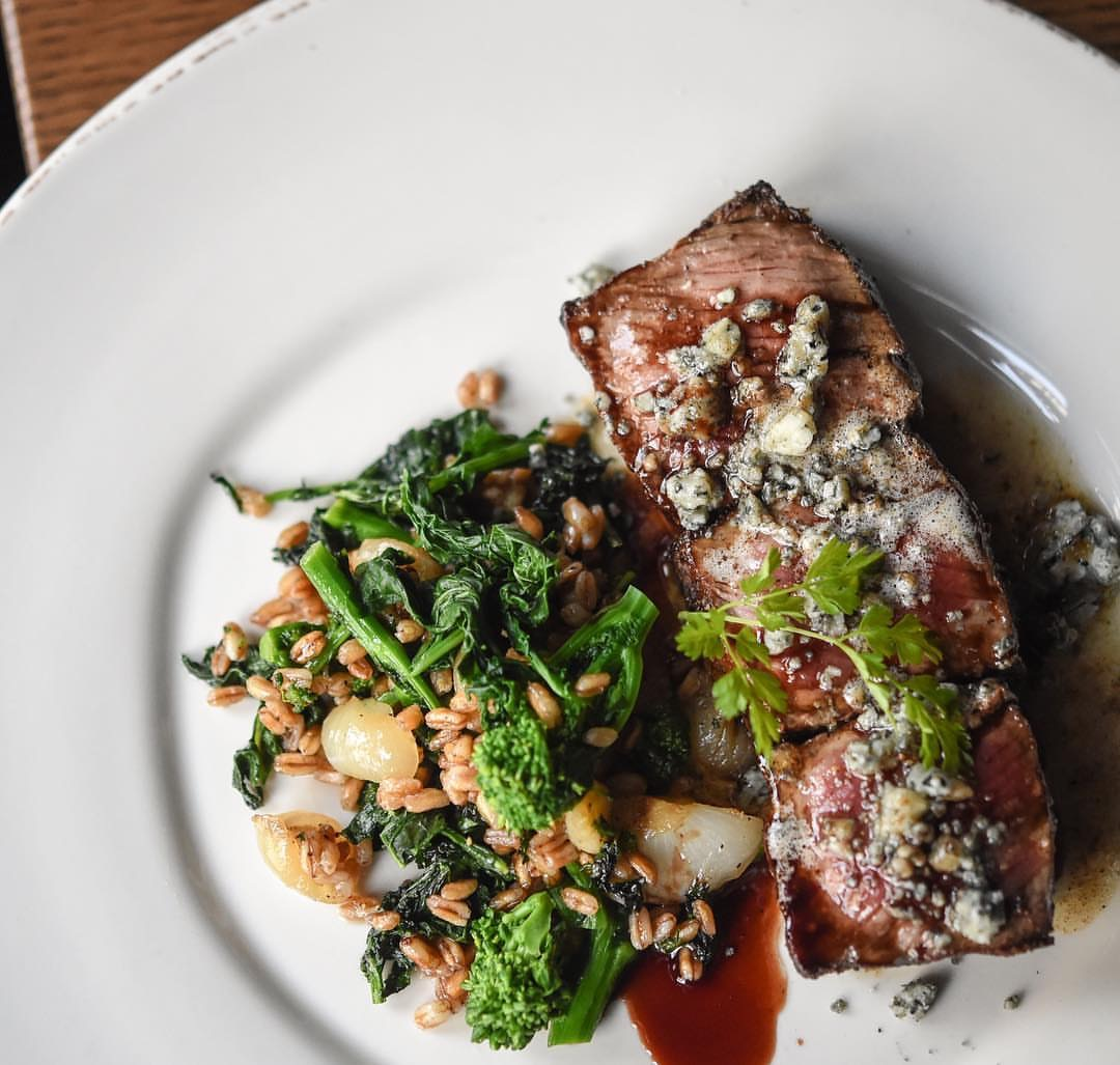 Charred beef, Valdeon Blue cheese, brown butter, red wine, broccoli rabe-farro (PC: @gatonyc1)