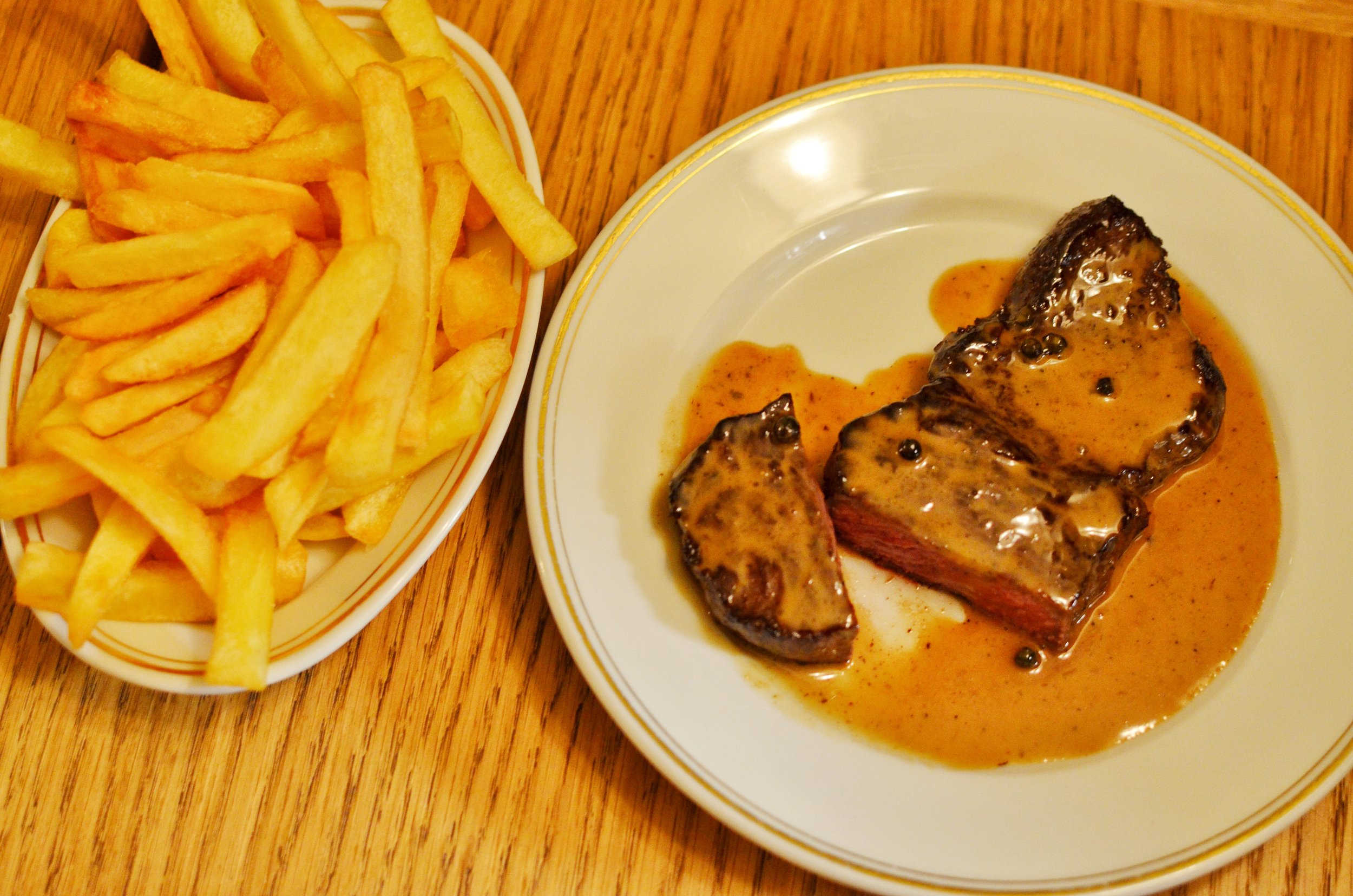 Steak and frites- This is the restaurant's signature dish and it was delicious. The pepper sauce is what sold me on this dish. Take some of your fries and dip it in the sauce and you'll see what I mean.