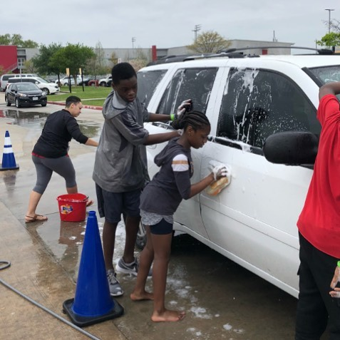 Students have been meeting on Saturdays to engage in acts of kindness and generosity in the Kindness Club (led by our awesome Ms. George). Last weekend they gave their time by washing cars for free.  #bethechange #beniceworkhard #kmskindnessclub