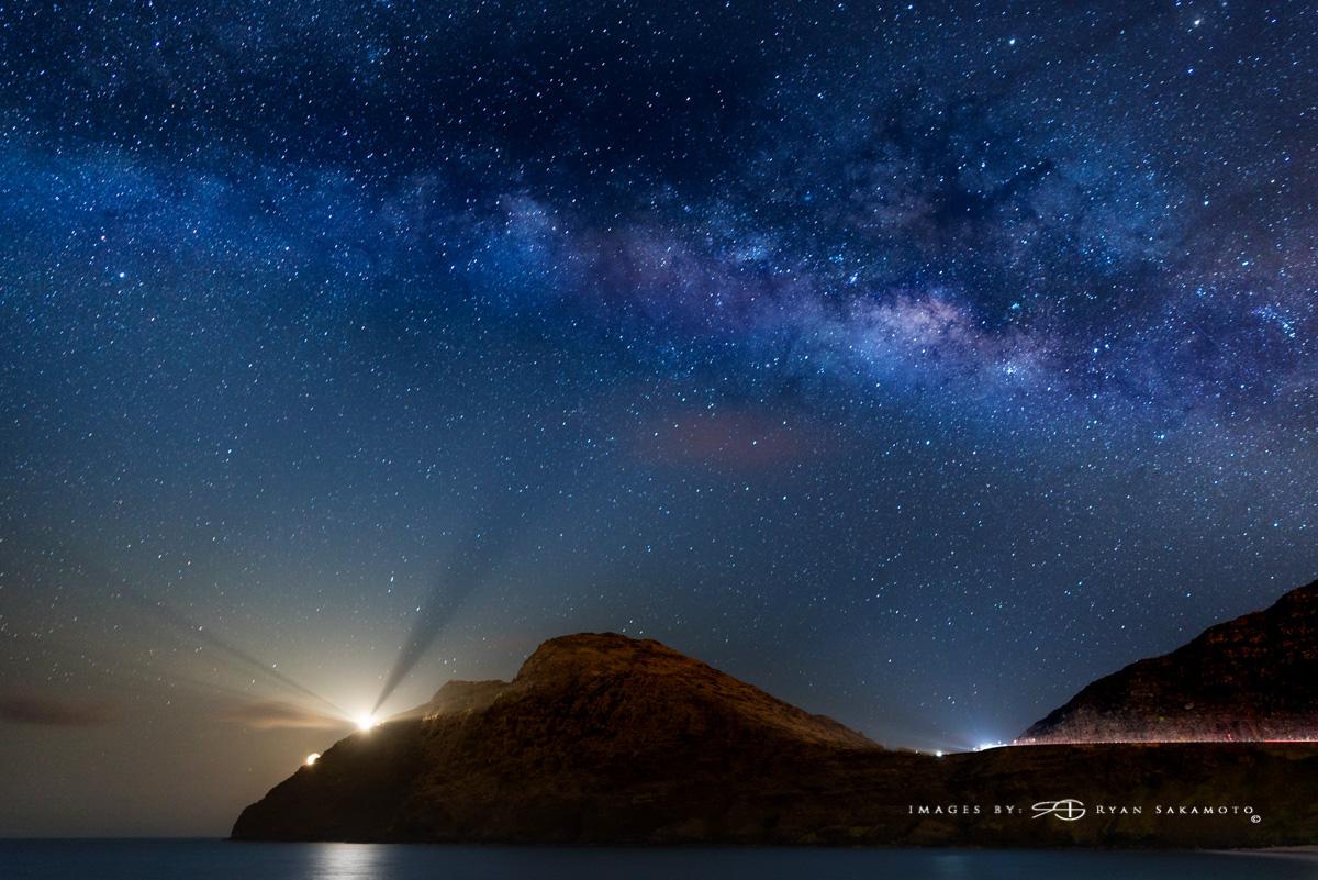 The Milky Way from Makapuu Beach parking lot Sony A7S Ii / Zeiss Batis 25mm f/2 / 30 sec. / f/2