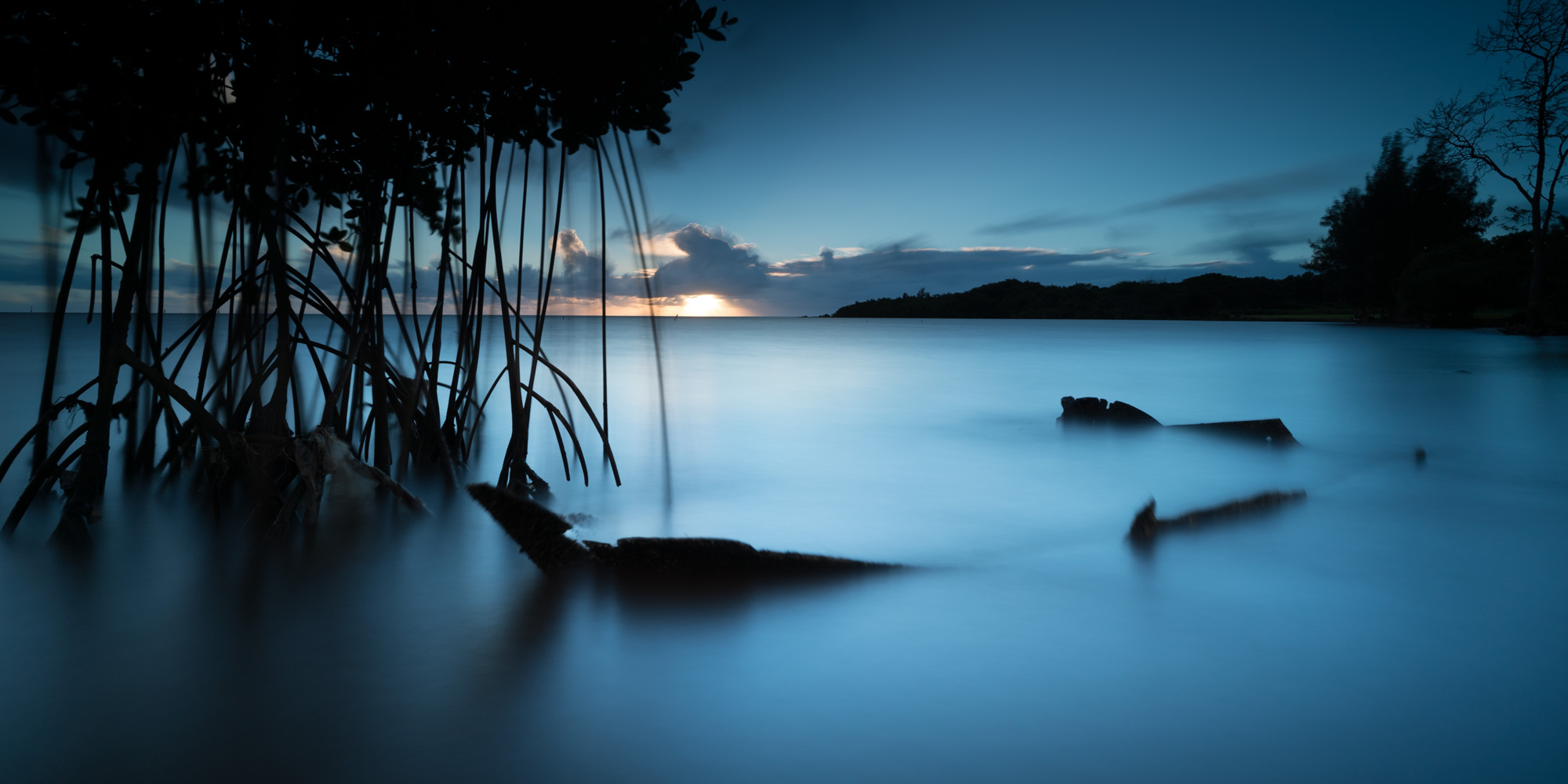 Waiahole Beach Sunrise Lee Filter Big Stopper,3 stop medium grad & a 3stop soft grad Sony A7S II |  121 sec. |  f/8 |  ISO 50  |  Zeiss Batis 18mm  Edited in Lightroom CC 2015  Copyright 2016 Ryan Sakamoto, All rights reserved