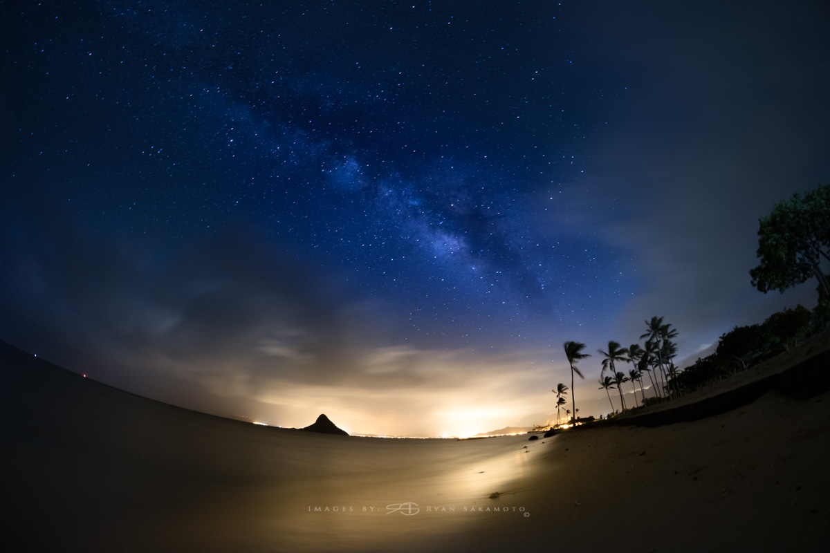 Milky Way from Kualoa Beach Park,Hawaii  Fuji XT2  |  60 sec. |  f/2.8 |  ISO 640  |  Rokinon 8mm F2.8 UMC Fisheye II    Edited in Lightroom & Photoshop CC 2017 Copyright 2017 Ryan Sakamoto, All rights reserved