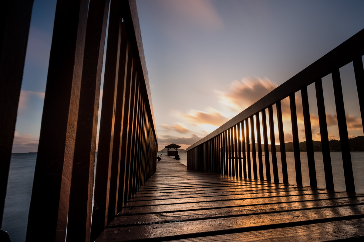 Sunrise Kaneohe Beach Park, Kaneohe, Hawaii  Fuji XT2  |  30 sec. |  f/8  |  ISO 200  |   Fujinon XF 10-24mm f/4 R OIS  Edited in Lightroom & Photoshop CC 2017 Copyright 2017 Ryan Sakamoto, All rights reserved