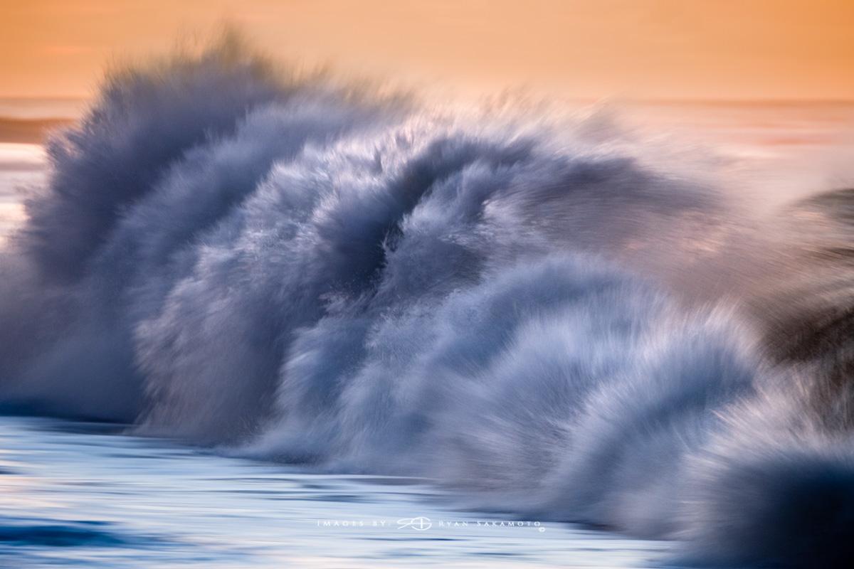 Sunrise at Sandy Beach,Honolulu, Hawaii  Fuji XT2     1/20 sec.    f/5.0     ISO 200      Fujinon XF100-400mm f/4.5-5.6 R LM OIS WR  Edited in Lightroom CC Copyright 2017 Ryan Sakamoto, All rights reserved