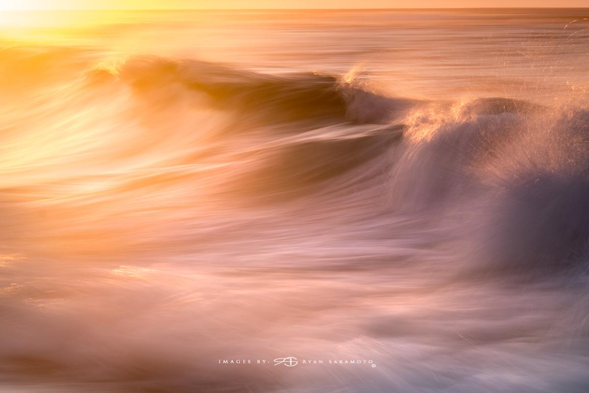 Sunrise at Sandy Beach,Honolulu, Hawaii  Fuji XT2  |  1/4 sec. |  f/7.1  |  ISO 125 |    Fujinon XF100-400mm f/4.5-5.6 R LM OIS WR  Edited in Lightroom CC  Copyright 2017 Ryan Sakamoto, All rights reserved