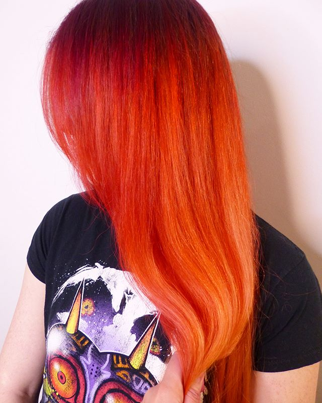 Excuse me while I pick my jawl off the floor!! Swipe for the before shot  #sparkshaircolor #sparks #unicorntribe #vivid #redhair #orangehair #schwarzkopfprofessional #blondeme #hotonbeauty #btctransformations