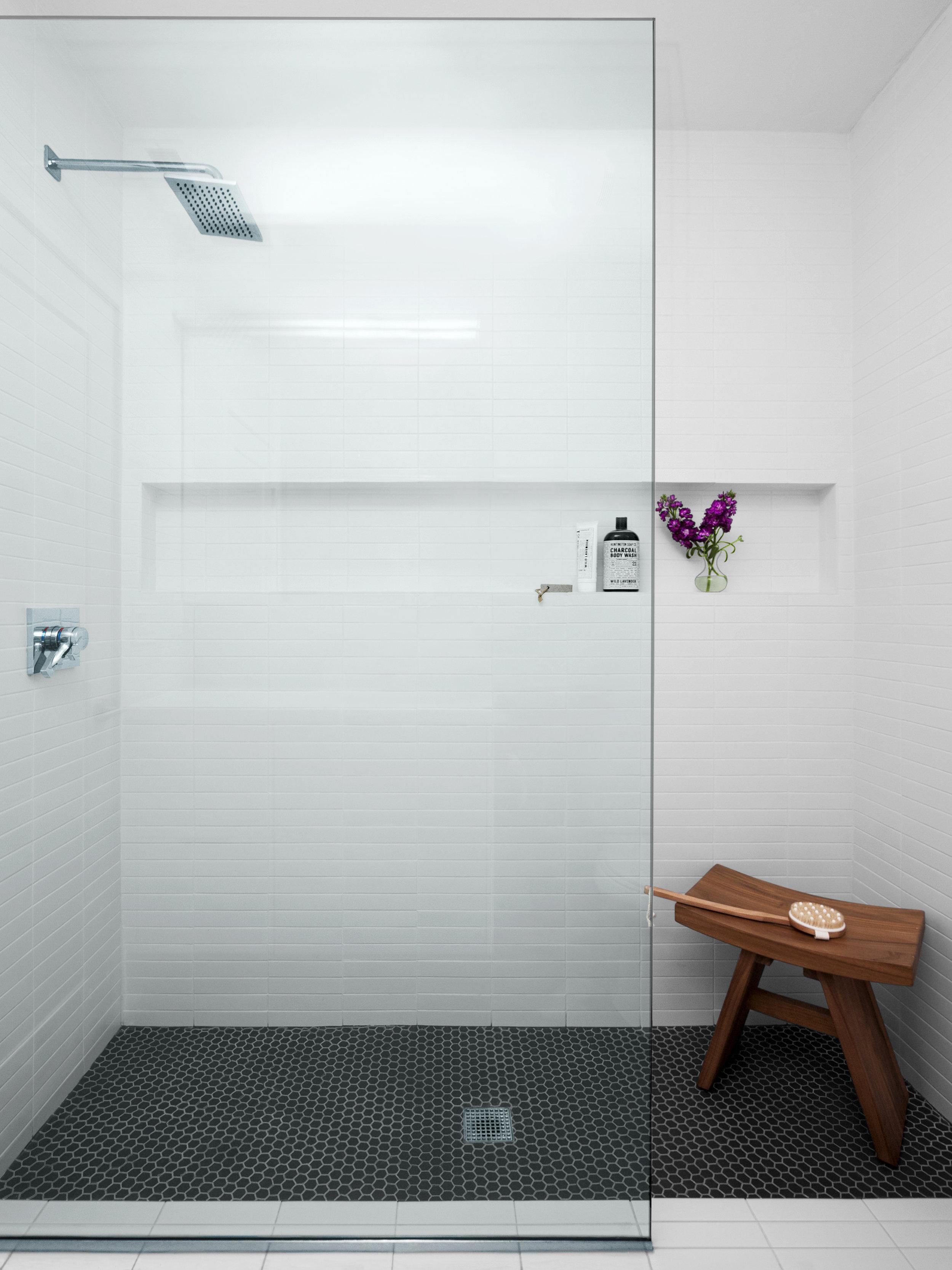 interior-photography-modern-white-bathroom.jpg