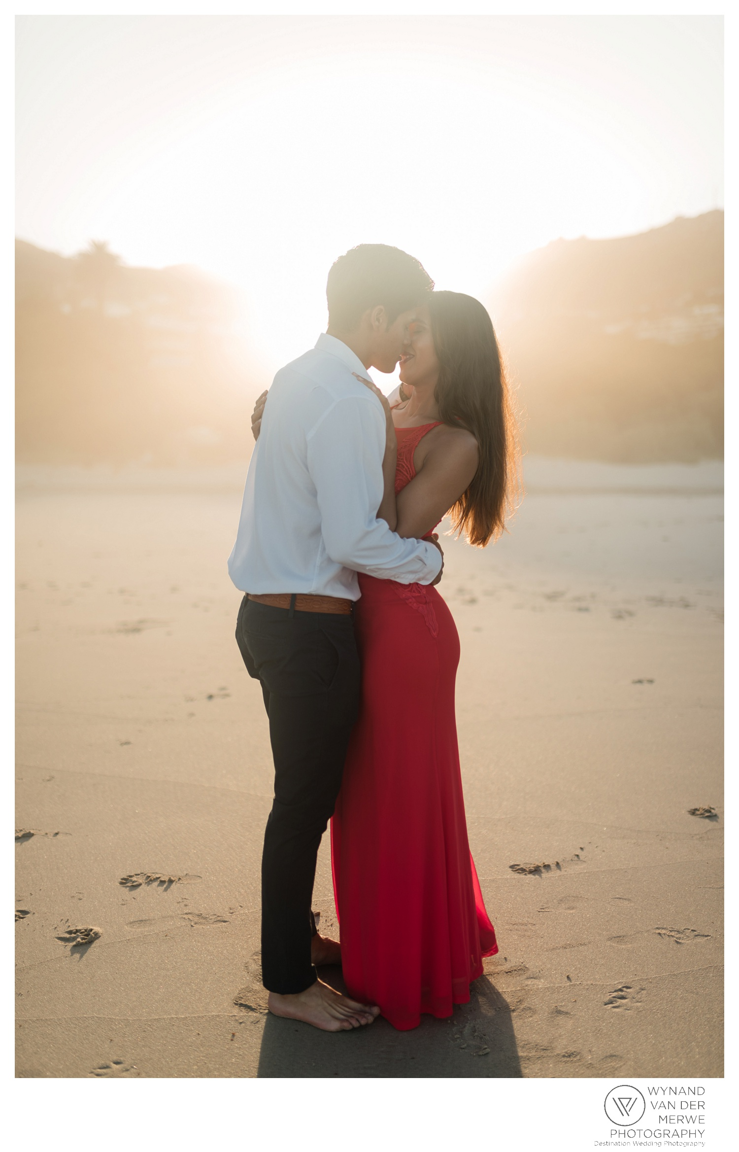 WvdM_engagementshoot_engaged_couple_prewedding_llandudno_cliftonbeach_beach_formal_southafrica_weddingphotographer_greernicolas-39.jpg