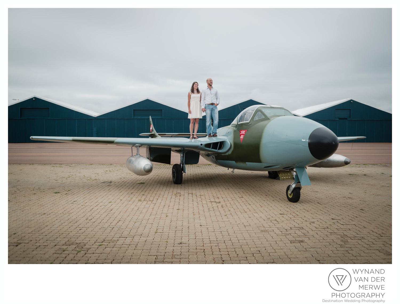 WynandvanderMerwe_weddingphotography_engagementshoot_wonderboomairport_aeroplane_klaasjanmareli_gauteng_2018-2.jpg