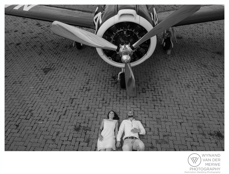 WynandvanderMerwe_weddingphotography_engagementshoot_wonderboomairport_aeroplane_klaasjanmareli_gauteng_2018-7.jpg