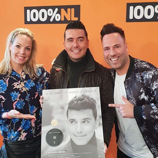 Ook mede dankzij radio @100pnl een gouden album! 👏 Thanks! #metanderewoorden #100pnl #jansmit #support