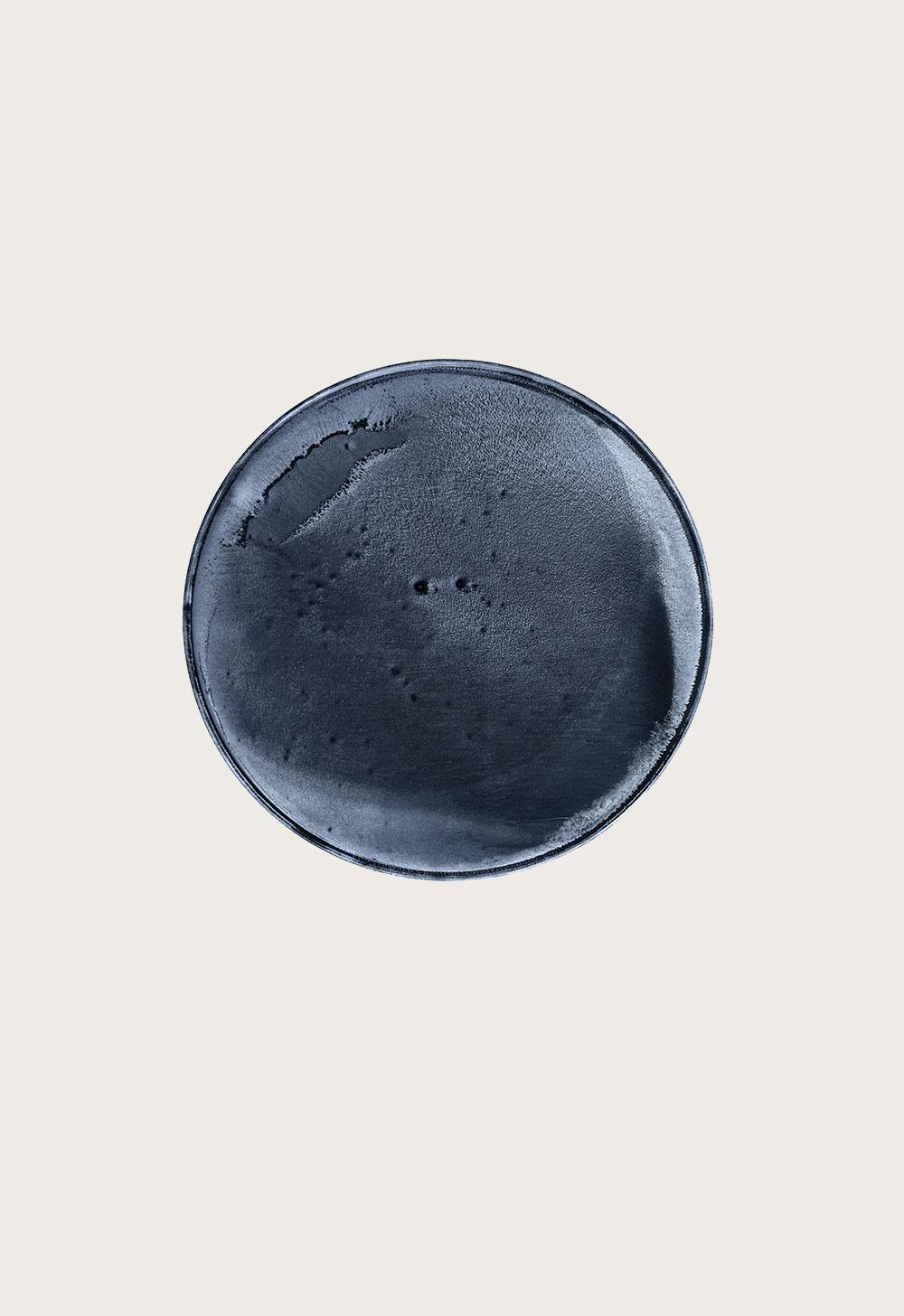 THIS IS NOW –indigo (I) 2010  pigment dispersal on 100% cotton fibre  101.0 x 73.7 cm,Ø 36.6 cm